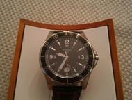 Оригинальные швейцарские часы Продам часы Herbelin Newport trophy, оригинал, кварц, крупные, гельошированный циферблат, окно даты с увеличительным сте, Челябинск - Часы