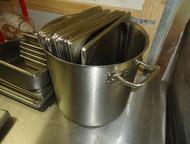 Кастрюля Luxstahl диаметр 30х30 Продаётся кастрюля, состояние новой.   В наличии большой выбор холодильного и торгового оборудования нового и б/у, тор, Екатеринбург - Разное