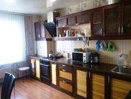 Продам 3-х комнатную квартиру в районе Аэродром В квартире сделан качественный ремонт (натяжные потолки, ламинат, встроенная кухня, утепленная лоджия,, Гатчина - Продажа квартир