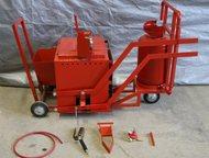 Ручной заливщик швов РЗШ-01 Продается ручной заливщик швов РЗШ-01 – портативный, передвижной ручной заливщик швов битумом и битумными мастиками.   Зал, Хабаровск - Строительство и ремонт - разное