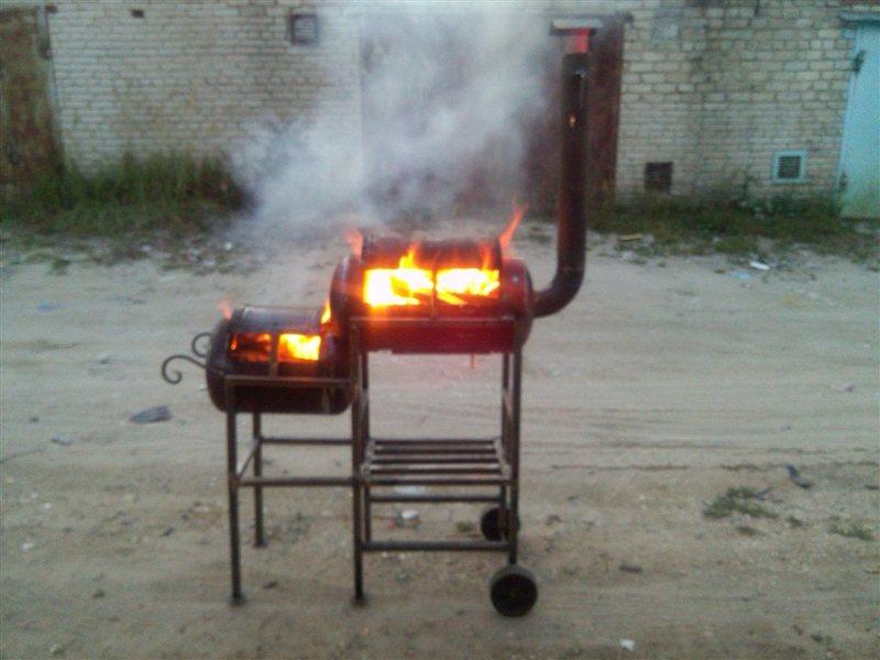 Мангал барбекю и коптильня три в одном из газового баллона 120