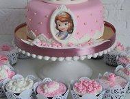 Казань: Изумительно вкусные торты Изумительно вкусные торты на заказ с разными начинками, в том числе и фантастически вкусный торт Красный Бархат  Торты от 10