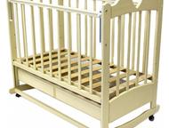 Детская кроватка-качалка на колесиках Характеристики:  - внешние размеры: 126x78см, внутренние размеры: 120x60 см;  - цвет: слоновая кость;  - колесо , Казань - Детская мебель