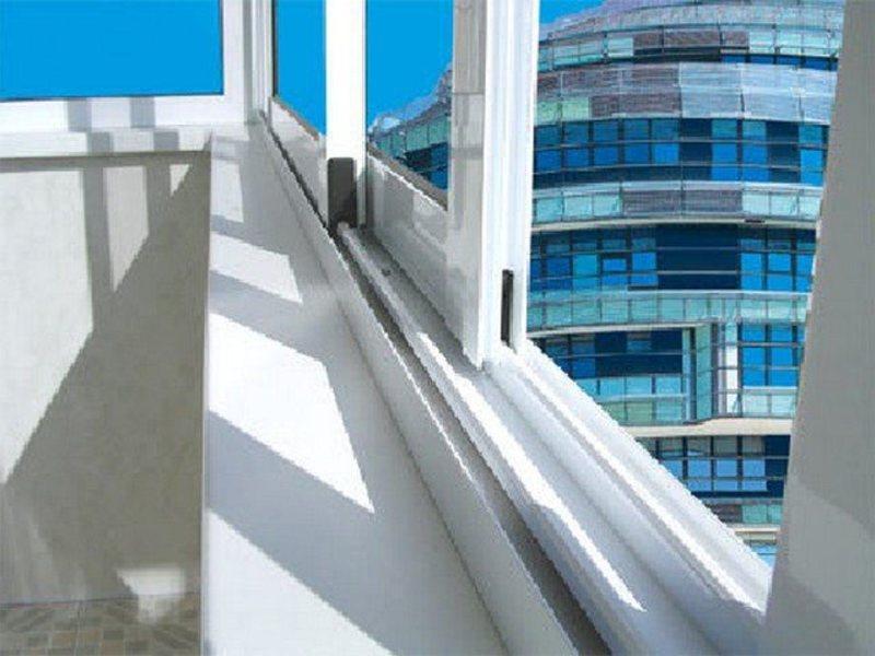 Остекление балконов, лоджий и веранд раздвижными в краснодар.
