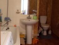 Красноярск: Дом ждет нового хозяина Продается 2-х квартирный дом с отдельными входами американского типа 175 кв. м, баня 36 кв. м и 5 сот. земли (в собственности)