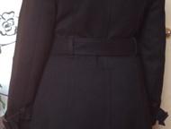 Красноярск: пальто женское демисезонное драповое размер 44 пальто женское демисезонное драповое размер 44 черного цвета прямого силуэта, сзади разрез со шлицей, в