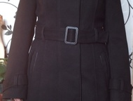 пальто женское демисезонное драповое размер 44 пальто женское демисезонное драповое размер 44 черного цвета прямого силуэта, сзади разрез со шлицей, в, Красноярск - Женская одежда