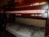 Двухъярусная детская кровать Продаю кровать для детей, т. к не нужна, а выкинуть жалко. В хорошем состоянии и крепкая, сделана из дерева.   Вместе с к, Москва - Мебель для детей