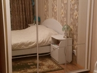 Нижний Тагил: Спальный гарнитур Продам спальный гарнитур. Шкаф купе (все 3 створки зеркальные) , трельяж, кровать, 2 прикроватные тумбочки. Торг.