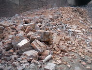 Барнаул: Продаю мусор строительный Продаю мусор строительный кирпич ломаный, штукатурка, цемент без железа и деревянных палок. Самовывоз с территории. Цена 50