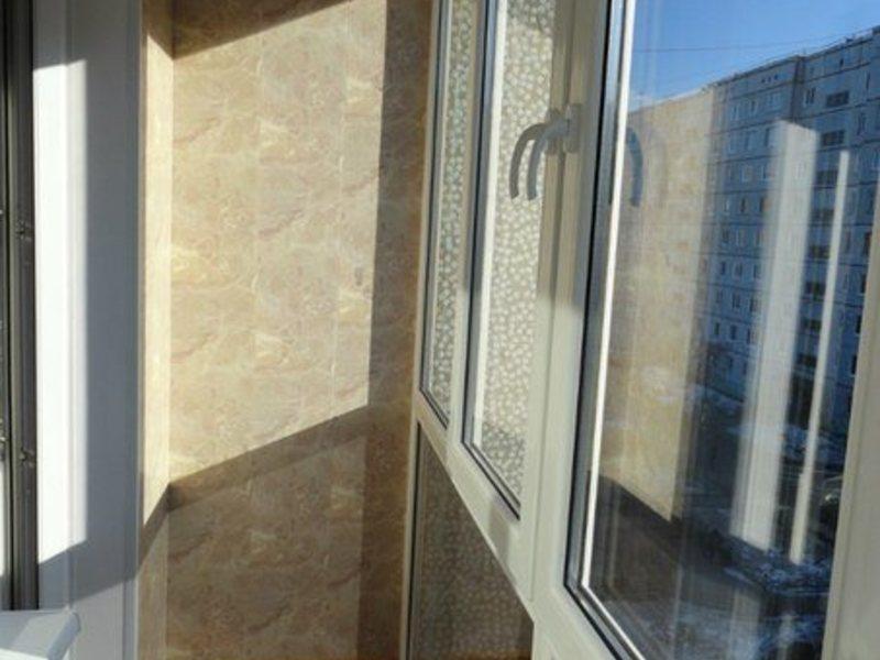 Остекление, монтаж, демонтаж балконов и лоджий, в омске.