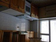 Орск: Продам квартиру Продам недорого 3 комн. кв. теплая, окна-дерево, лоджия застеклена, сантехника и санузел новые, требует обычного ремонта. Во дворе шко