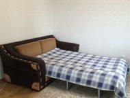 Тюмень: Продам диван Продаю диван, производство Италия, натуральная кожа, элементы отделки крокодиловая кожа, при развороте раскладушка (2000х1400), три подуш