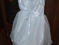 Волгоград: Платье на девочку 2 платья на девочку 4-5 лет. Состояние идеальное. Одевали по 1 разу. Цена каждого 400рублей. Красный октябрь.