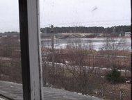 Волхов: Дом 300 квадратов в Паше-Волховский район Просторный кирпичный дом в несколько уровней на берегу реки с прекрасным  и бесплатным видом, отличными сосе